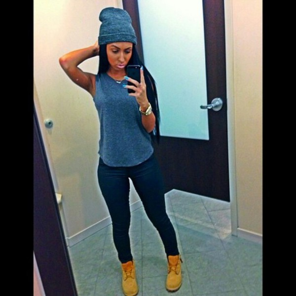top black leggings grey shirt shirt sleeveless shirt beanie timberlands jeans grey top