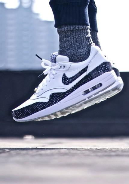 shoes nike black white nike running shoes nike air nike sneakers sneakers