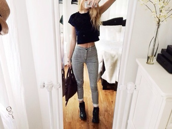 black and white high waisted high waisted pant pant in check check print in check pants tumblr fashion in check retro pants top jeans high wasted i need these so bad black white flannel grunge hounds tooth tight checked jeans idk cool grunge checkered squares dogtooth skinny jeans dogtooth jeans pattern jeans black white checks black and white pants