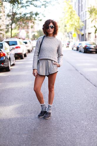 shoes sweater bag sunglasses shorts jewels trop rouge