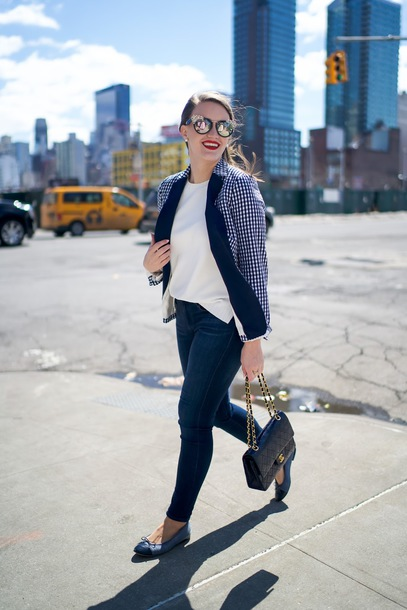 covering bases curvy blogger jacket sweater jeans sunglasses bag make-up skinny jeans chanel bag blazer spring outfits
