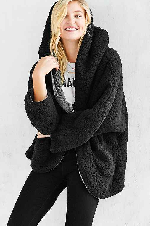 Ecote Fuzzy Reversible Jacket - Urban Outfitters