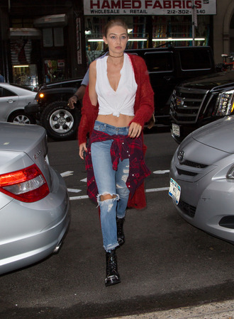 jeans top shirt gigi hadid fall outfits streetstyle choker necklace model off-duty ny fashion week 2016 blouse