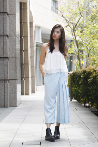 beverly ville blogger top pants shoes jewels
