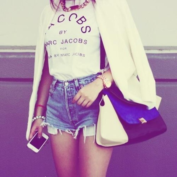 marc jacobs white blazer cropped denim shorts High waisted shorts statement necklace t-shirt marc by marc jacobs jacket bag blue black white marc jacobs shirt marc jacobs tshirt shirt vogue jewels t-shirt marcjacobs