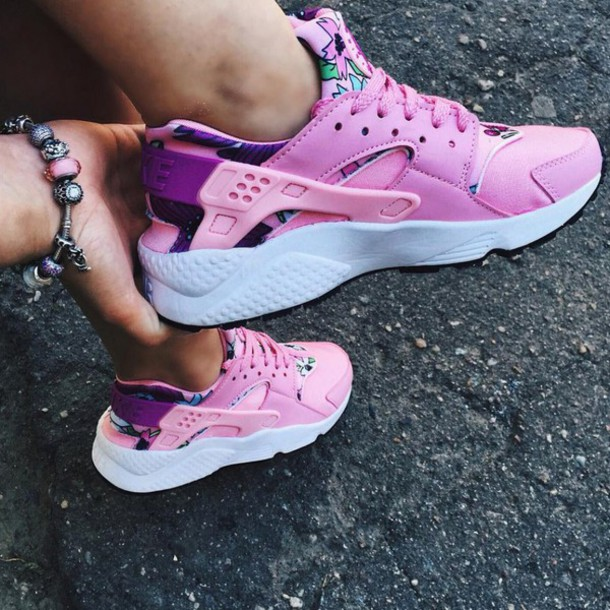 3e86268d577e shoes boogzel apparel sneakers pink sneakers huarache aloha aloha nike  floral sneakers floral sneakers running shoes