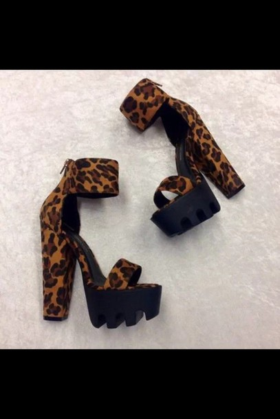 shoes wild diva lounge leopard print chunky heels