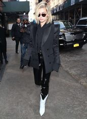jacket,blazer,black blazer,hailey baldwin,model off-duty,streetstyle,ny fashion week 2018,fashion week,pants,hoodie,cropped,cropped hoodie,boots,sweater,shoes
