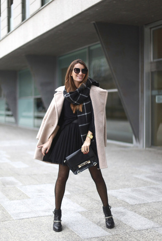 b a r t a b a c blogger pleated skirt blanket scarf black skirt winter coat skirt coat sweater shoes bag tights scarf