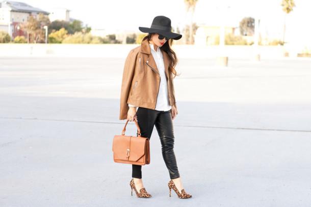 it's not her it's me blogger jacket bag jewels sunglasses