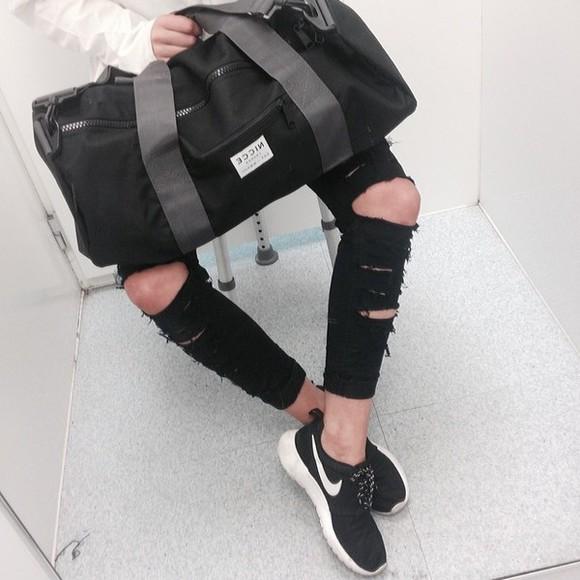 bag black bag bblack ripped jeans black and white roshe runs