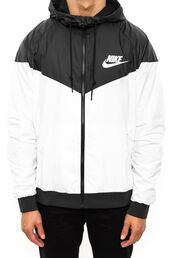 jacket,nike,nikewindrunner,nike jacket,menswear,mens sportswear,black and white,windbreaker,nike windbreaker
