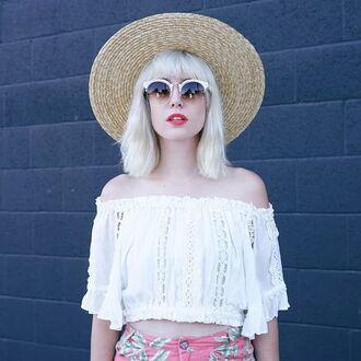 peasant top white top sun hat
