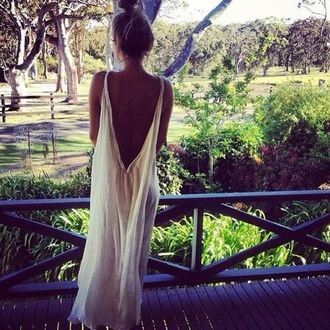 dress long dress white dress summer outfits blouse maxi dress white open back maxi white maxi dress backless boho bohemian hippie white simple deess so beautiful summer dress ring body chain belly piercing top shirt high waisted shorts cut off shorts cut offs indie nails flowered shorts jacket cardigan backless dress
