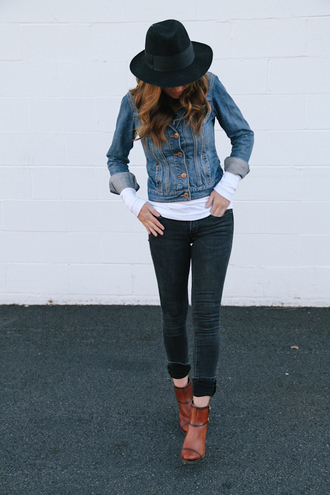 the day book blogger hat boots skinny jeans denim jacket