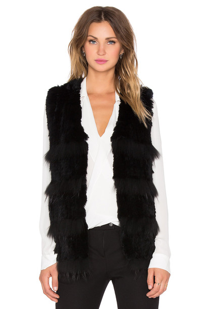 Heartloom vest fur vest fur black