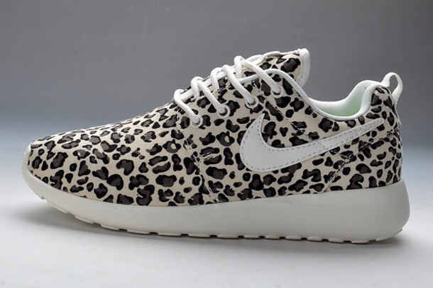 shoes nikes roshe leopard