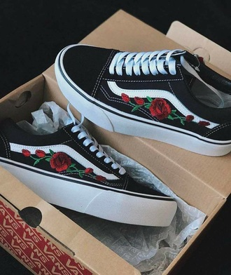shoes vans old skool vans sneakers black shoes old school vans black and white with roses roses floral vans black white printed vans flowers rose pretty beautiful trainers plimsoles embroidered embroidered roses hat