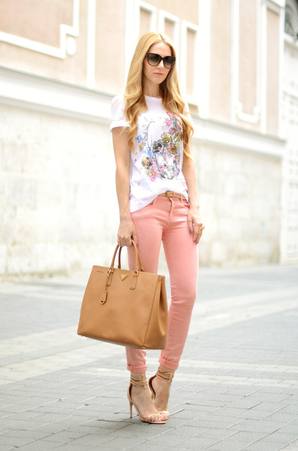 oh my vogue t-shirt jeans shoes bag jewels sunglasses pink jeans white t-shirt printed t-shirt camel bag prada bag prada high heel sandals sandals nude sandals black sunglasses casual chic