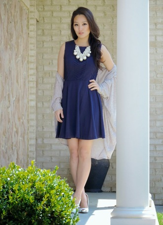 sensible stylista blogger cardigan navy dress