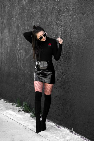 skirt sunglasses tumblr mini skirt black skirt black leather skirt leather skirt vinyl vinyl skirt boots black boots over the knee boots thigh high boots thigh highs thigh-high boots net tights tights fishnet tights top black top
