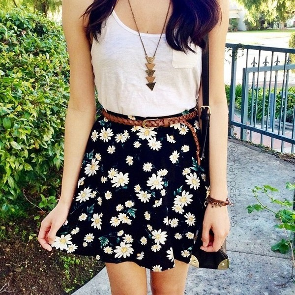 shirt t-shirt skirt daisy flowers floral skater skirt necklace gold top navy black floral skater skirt