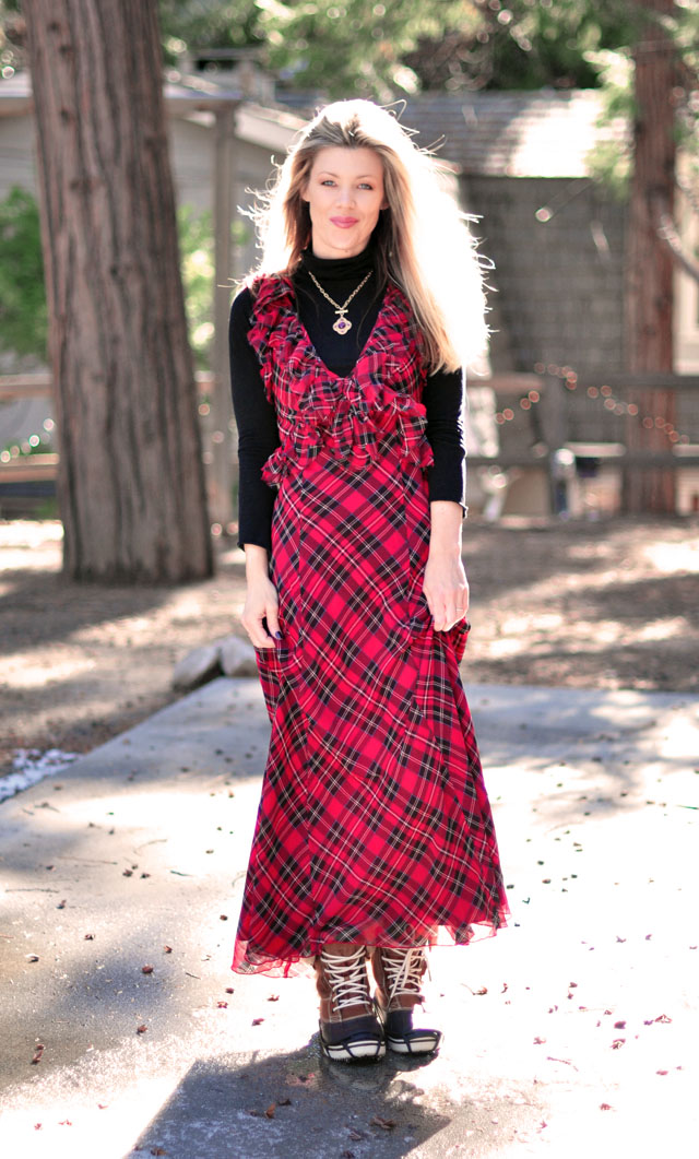 Plaid Maxi Dress for Christmas | Feelin' 1970s Holiday | ...love Maegan