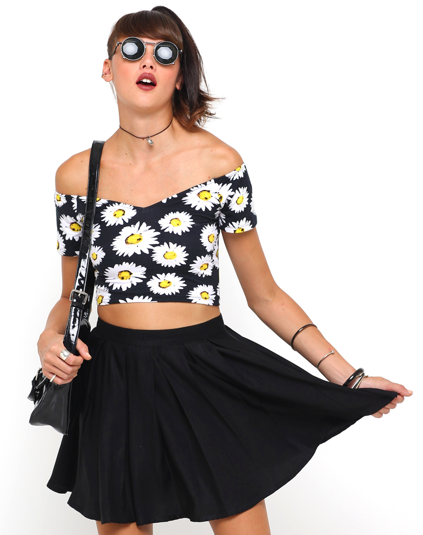 43a5e43c2b78b Buy Motel Dani Off Shoulder Sweetheart Crop Top in Wild Daisy at ...