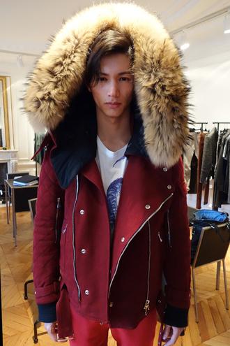 jacket red red jacket fur fur hood fur hood winter jacket hood zip zipper jacket flaps blue winter outfits winter jacket dope streetwear streetstyle street urban swag big big jacket