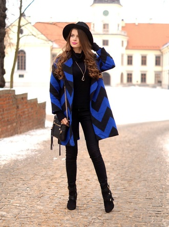 only my fashion style blogger blue coat chevron