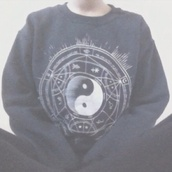 sweater,ying yang sweater