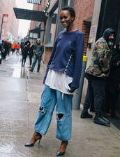 jeans,boyfriend jeans,streetstyle,ny fashion week 2017,sweater,top,pumps,nyfw 2017