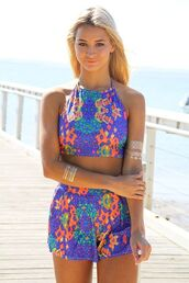 bright print short set,two piece romper,halter top,matching shirt and shorts,elastic waist,www.ustrendy.com