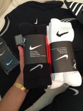 socks,nike,black,white