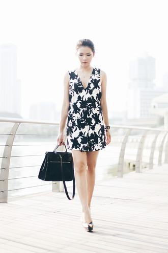 brown platform blogger romper black and white black bag