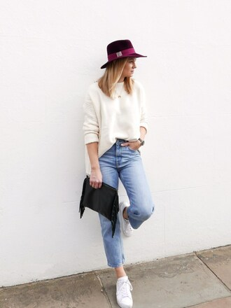 style and minimalism blogger sweater jeans bag jewels white sweater clutch sneakers fall outfits