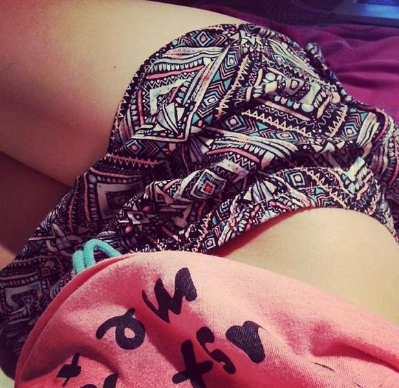 shorts boho hippie navajo aztek print