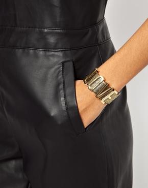 Designsix | Designsix – Love – Armband bei ASOS