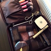 make-up,pink,girly,beautiful,travel,weheartit,lipstick,nude beige,nude,makeup bag,makeup brushes,bag,california girl beauty,beauty organizer