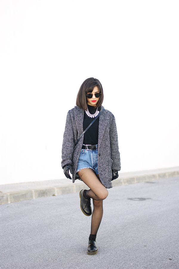 vintage shoes for her sunglasses t-shirt jewels shorts coat shoes