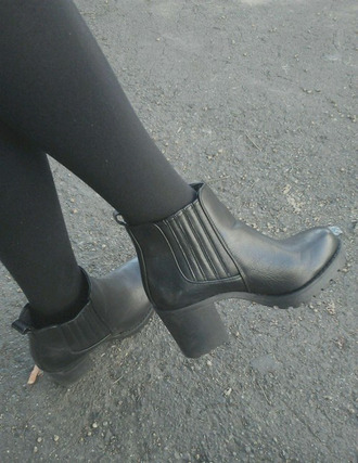 boots chelsea boots chelsea boots heeled chunky high heels chunky boots grunge so tumblr