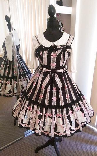 dress lolita gothic lolita lolita dress gothic lolita dresses pastel pastel goth pastel dress lace dress lace peter pan collar kawaii kawaii dress black pastel pink japanese japanese fashion