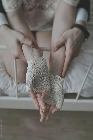 cuff gloves