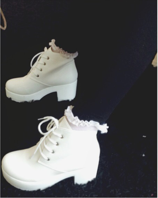 shoes white shoes platform shoes tumblr socks