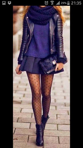 skirt jupe bleu veste cuir pull bleu marine chaussures ? talons collants jupe noire veste en cuir collant noir bottines tenue hiver