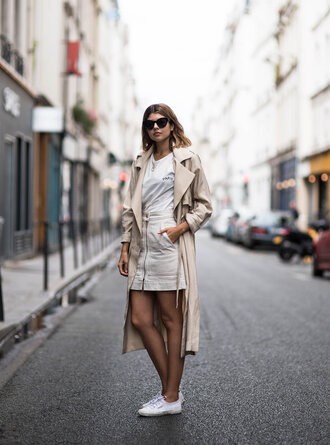 skirt mini skirt white skirt zipped skirt sneakers white sneakers t-shirt white t-shirt coat trench coat shoes sunglasses blogger streetwear