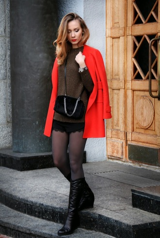 dream love shop blogger black shorts red coat knitted sweater black boots