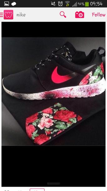 shoes, nike, nike sneakers, nike roshe