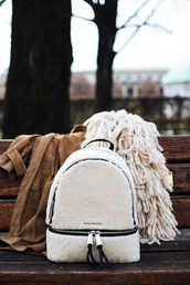 bag,tumblr,backpack,white backpack,furry backpack,scarf,knitted scarf,coat,camel,camel coat,suede coat