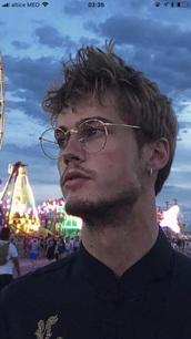 sunglasses,gucci,glasses,replica fendi monster,necklace